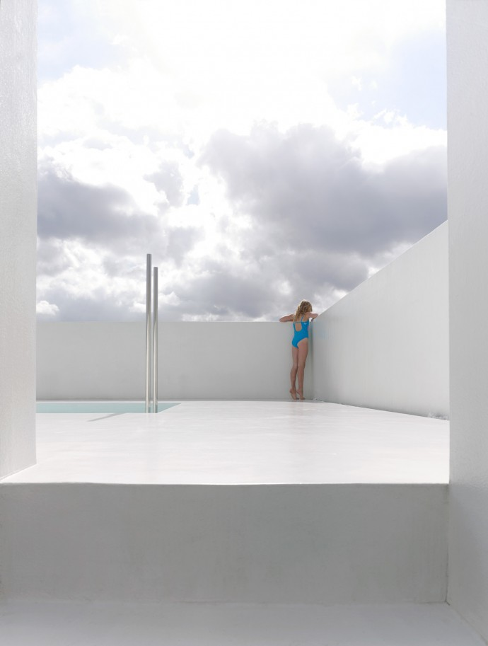 Rooftop Pool by DMVA architects