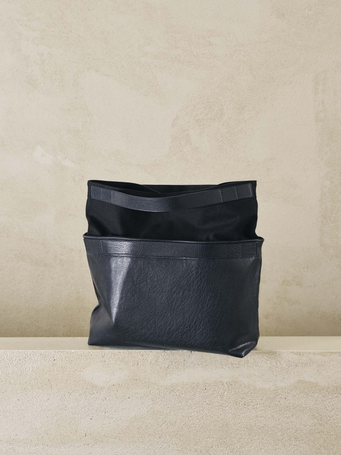 Bea bag photographed by Frederik Vercruysse