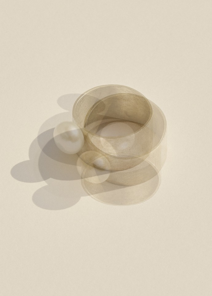 Vermeer. Anna Rosa Moschouti jewellery collection by Frederik Vercruysse