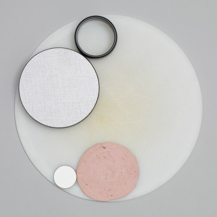 still life with circles