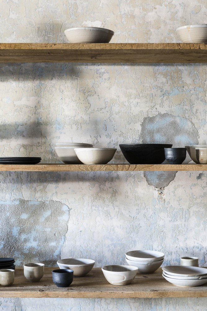 Bowls and plates by Kosi Hidama for the Axel Vervoordt Home collection