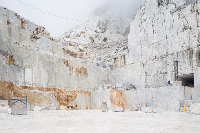 Entrance from the outside. Carrara marble quarry