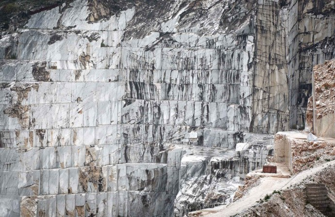 Wall of marble. Carrara marble quarry
