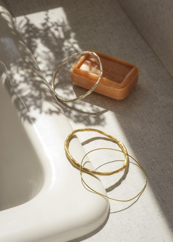 Woche jewelry. Still life photography by Frederik Vercruysse